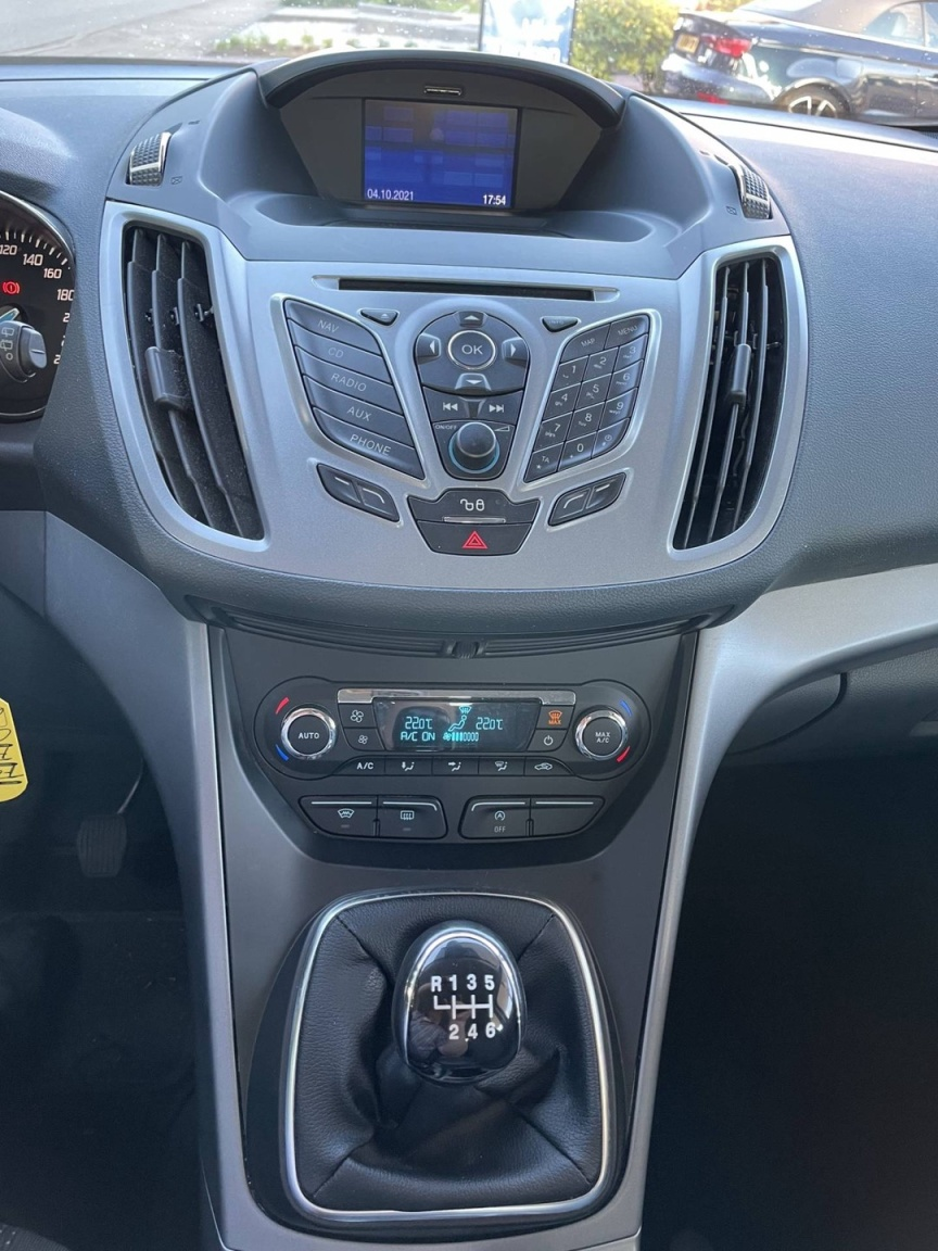 Ford-C-MAX-13