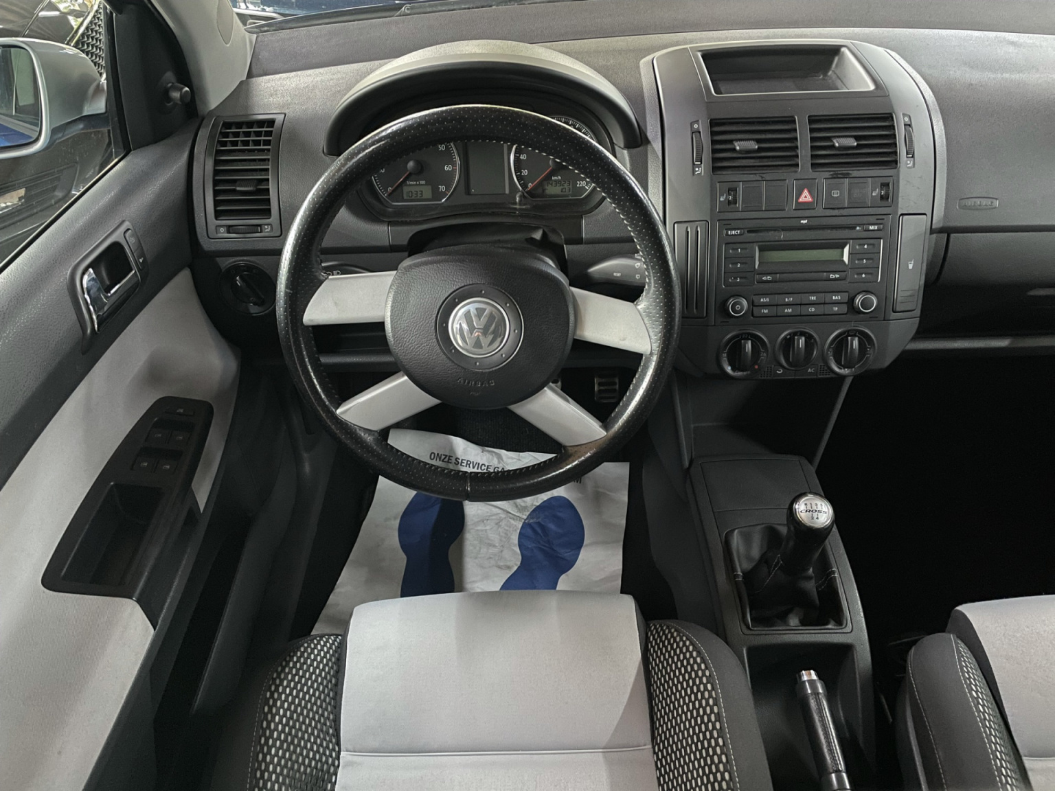 Volkswagen-Polo-11