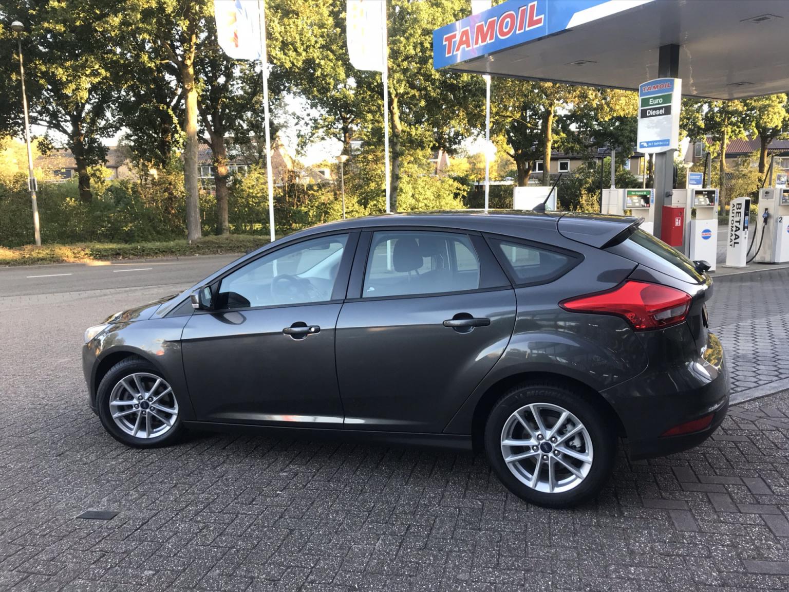 Ford-Focus-23